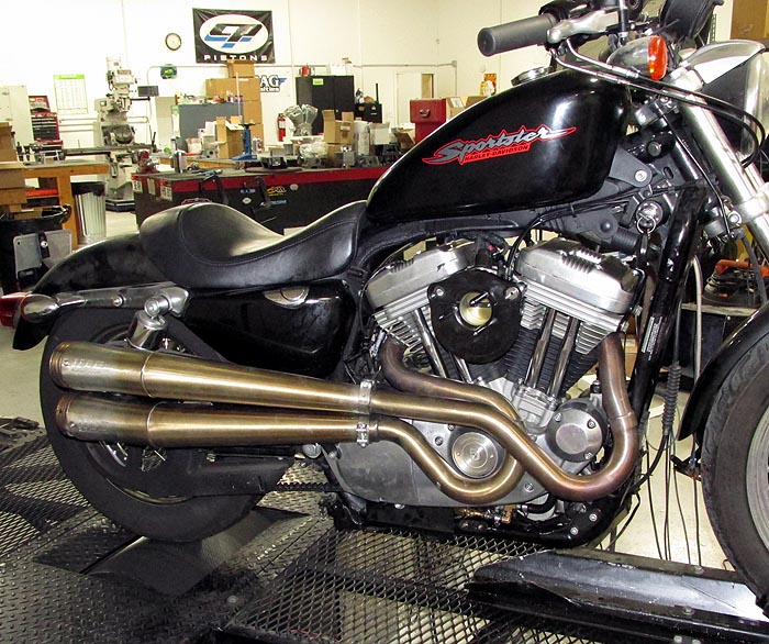 HAMMER PERFORMANCE picture of Supertrapp 2 into 2 installed on a 2007 Harley Davidson XL883 Sportster